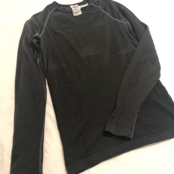 34d9ad2c5 North Face women's base layer thermal top